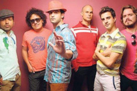 Los Amigos Invisibles En El 930 Club - rock en espa�ol - rockeros.net