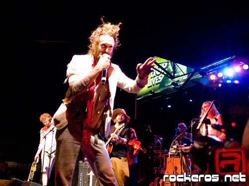Foto por: Josue Rodriguez - Edward Sharp And The Magnetic Zeros